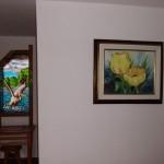 33---Vitraliu-pelican-cu-tablou-lalele-galbene-(camera-6)